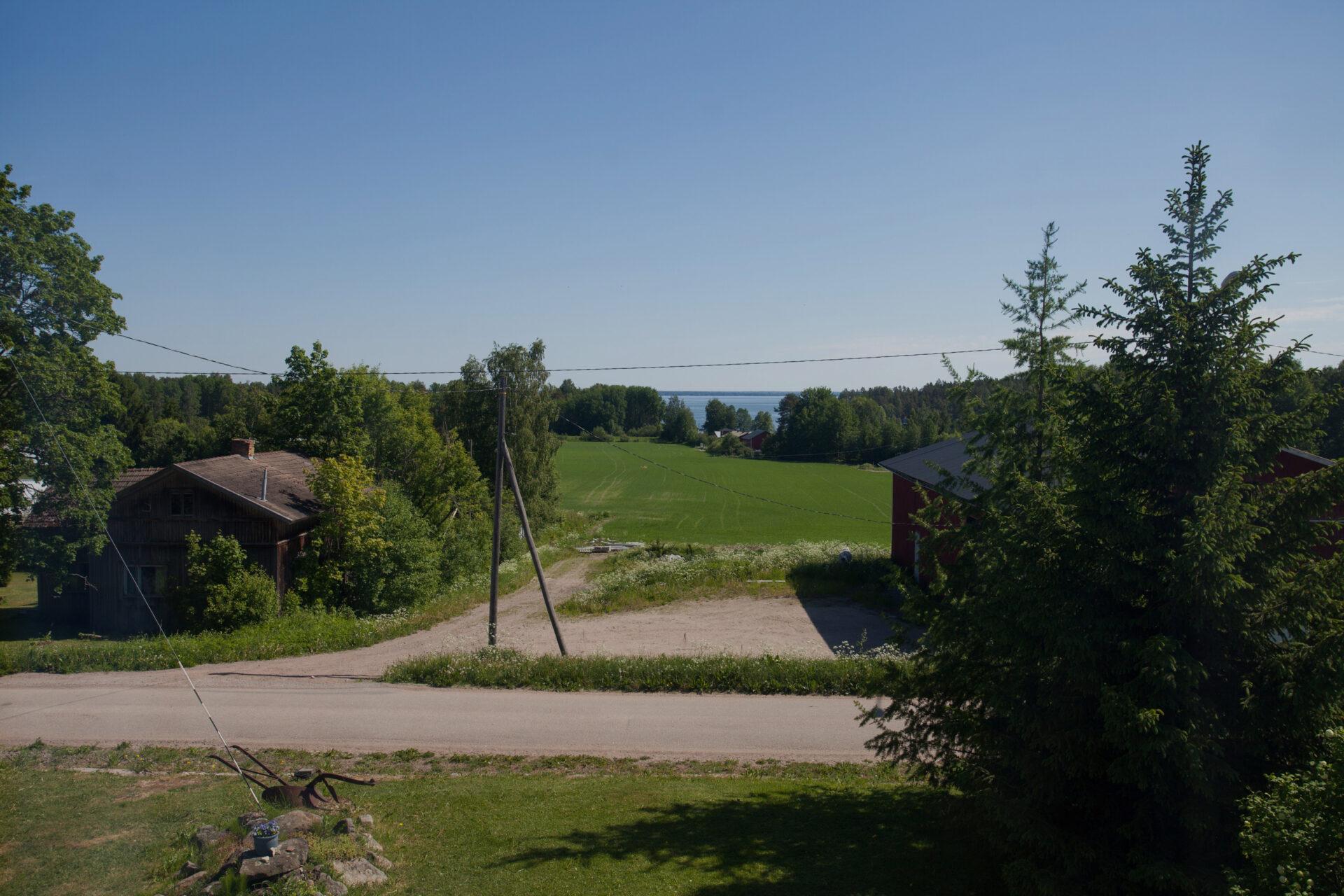 Mäkitalon Farmin maalaismaisema